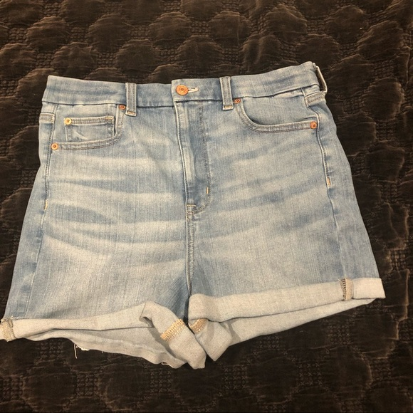 American Eagle High Waisted Shorts Size 10